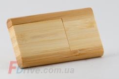 Светлая деревянная флешка